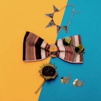 Acessórios de moda de verão, bijuterias e blusa listrada. estilo sertanejo.