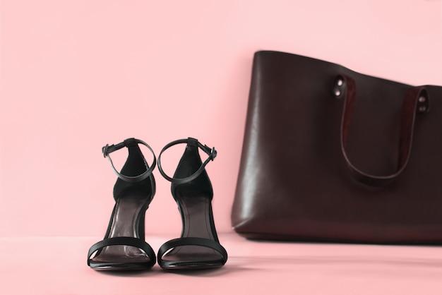 Acessórios de mulher preto sapatos abertos uma coisa