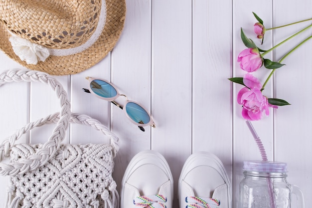 Acessórios de verão senhoras macrame saco, óculos, chapéu, tênis, flores, jar