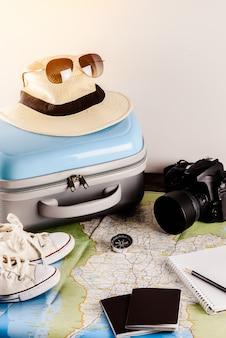 Acessórios de viagem para a viagem de viagem. passaportes