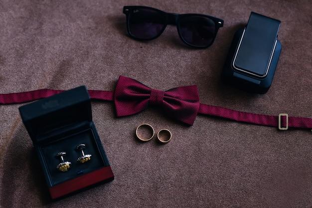 Acessórios masculinos de luxo para casamento.