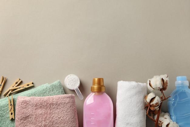 Acessórios para lavanderia em cinza, vista superior