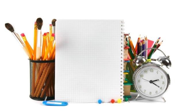 Acessórios para notebook e escola em branco.