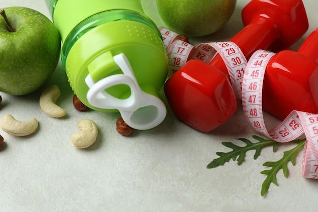 Acessórios para perda de peso em branco texturizado, close-up