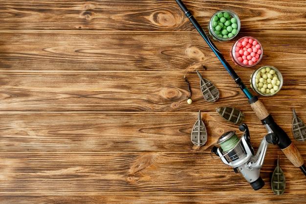Acessórios para pesca de carpa e iscas de pesca em pranchas de madeira