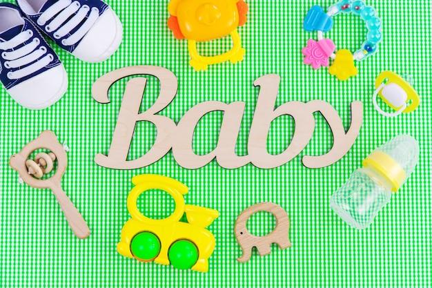 Acessórios para recém-nascidos. foco seletivo. bebê. comida e bebida