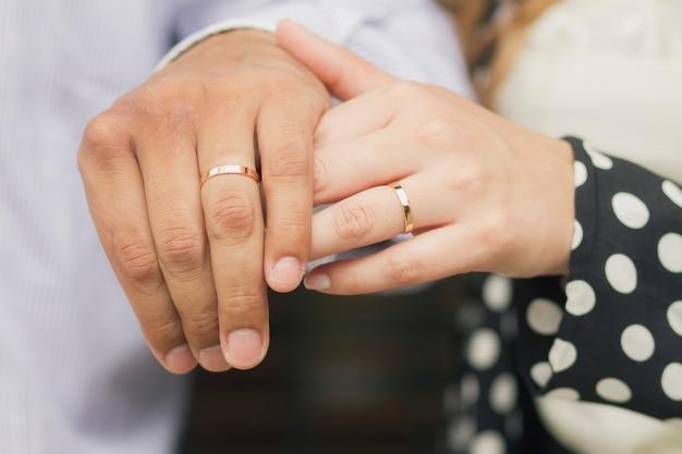 Acessórios vestido de noiva anéis de casamento
