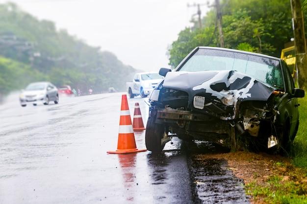Acidente de carro acidente na rua