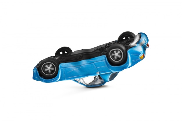 Acidente de carro azul com cena de danos - transporte e conceito de acidente de trânsito