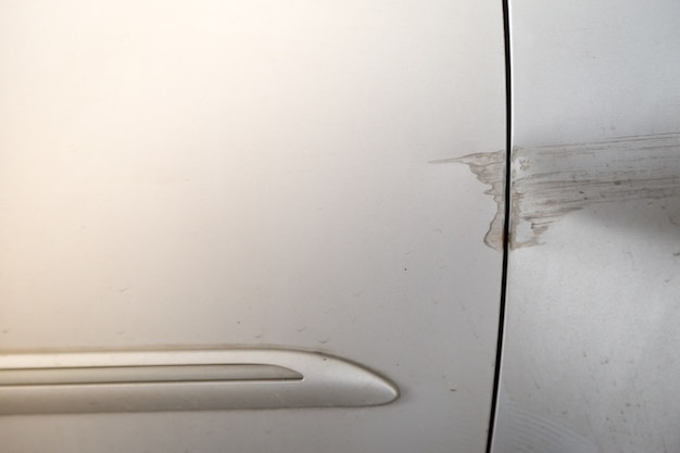 Acidente de carro de porta após o fundo de acidente