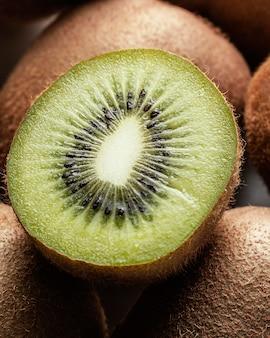 Acima, vista, arranjo delicioso de kiwi