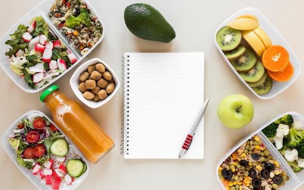 Acima vista arranjo nutritivo refeição