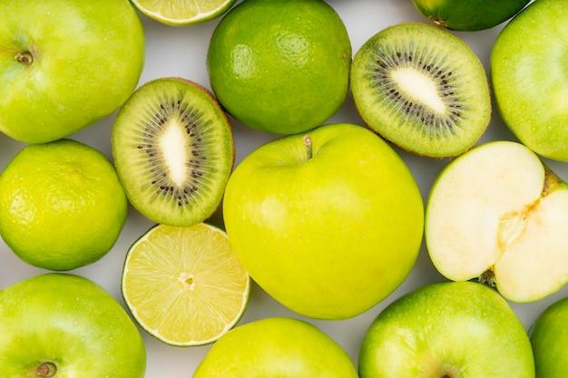 Acima vista frutas verdes