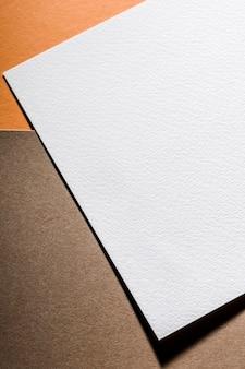 Acima vista papel texturizado branco
