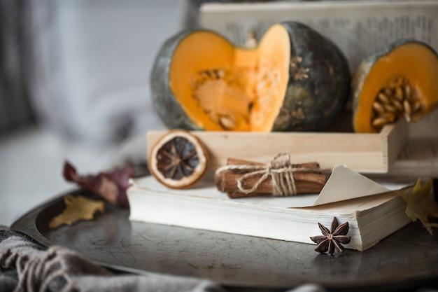 Aconchegante outono ainda vida