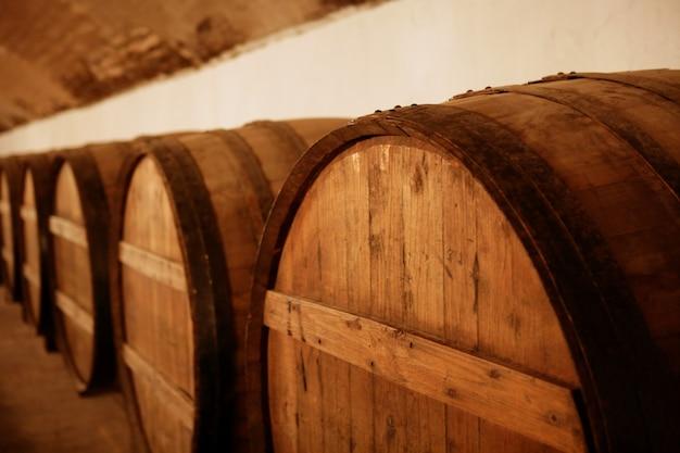 Adega de barril de vinho de madeira natural