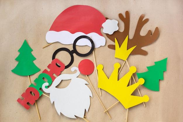 Adereços coloridos de cabine de foto para festa de natal - bigode, papai noel, abeto, óculos, coroa, chifre, nariz, chapéu