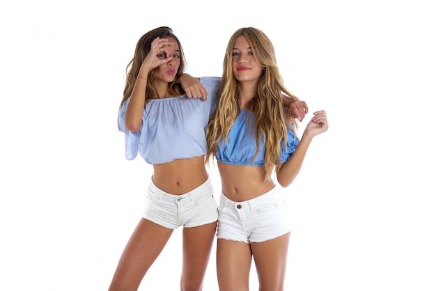 Adolescente melhores amigas meninas felizes juntos