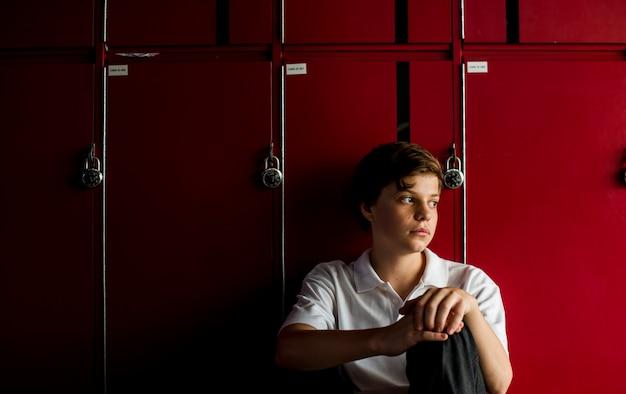 Adolescente vítima de bullying