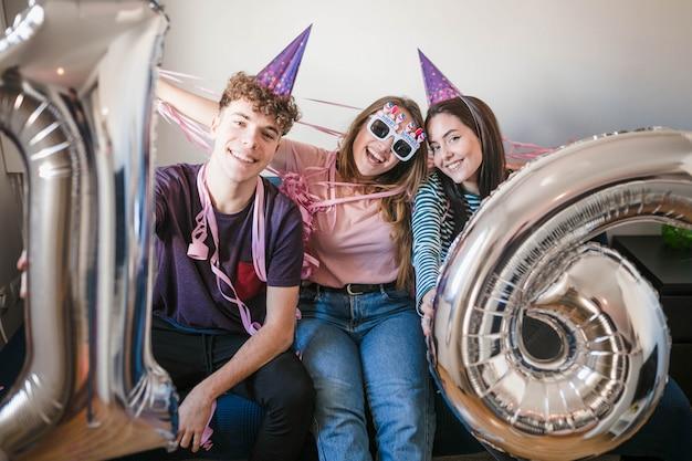 Adolescentes, celebrando, partido aniversário