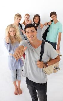 Adolescentes, passando, escola secundária
