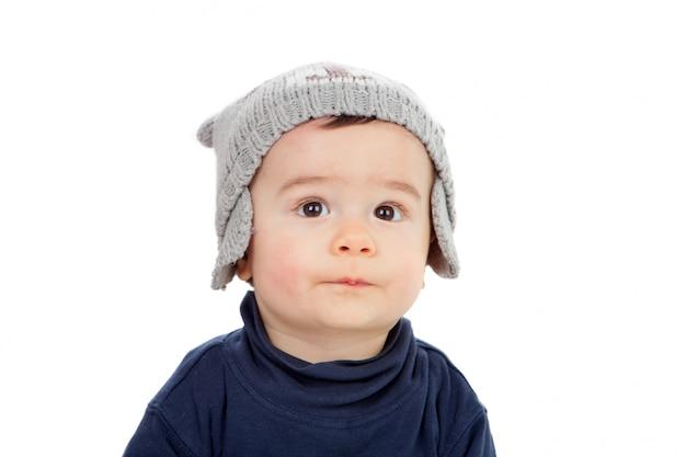 Adorável bebê olhando para cima