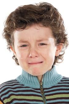 Adorável criança chorando um over branco fundo