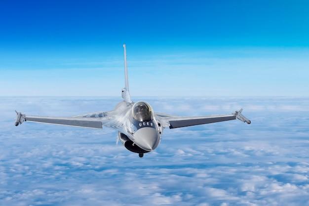 Aeronave militar durante o combate
