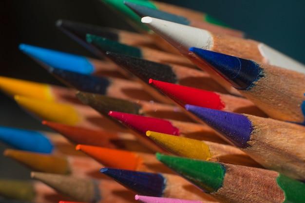 Afiado lápis coloridos afiados