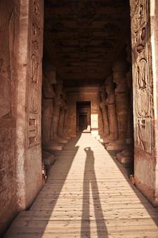 Afrescos no templo abu simbel
