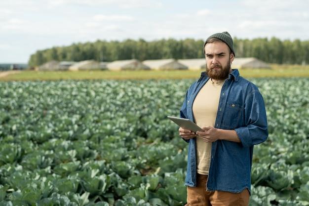 Agricultor contemporâneo ou proprietário de grande plantação