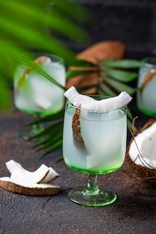 Água de coco fresca saudável natural