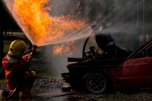 Água de respingo de bombeiro para hidrante