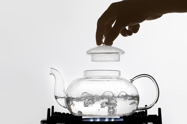 Água fervente para chá