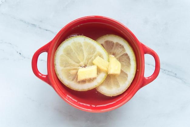 Água jengibre e limão