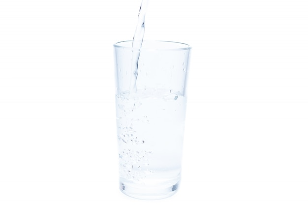 Água no fundo branco