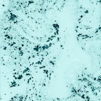 Água pintada branca colorida