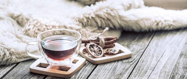 Ainda vida aconchegante atmosfera com uma xícara de chá
