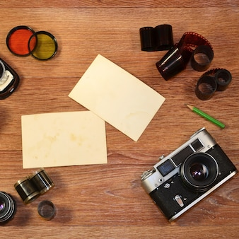 Ainda-vida com equipamento antigo de fotografia