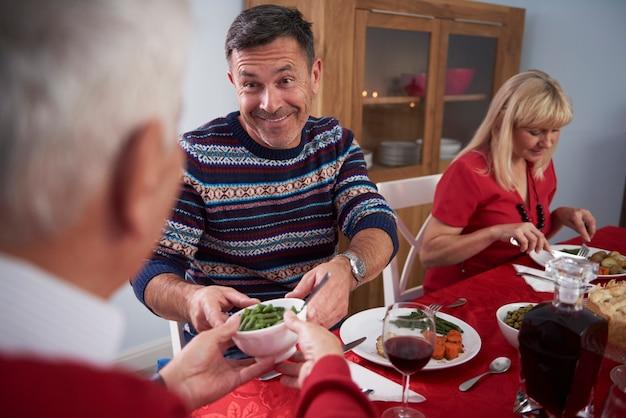 Ajuda mútua na véspera de natal