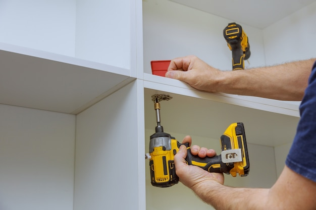 Ajuste moderno da dobradiça da porta do armário de fixação em armários de cozinha