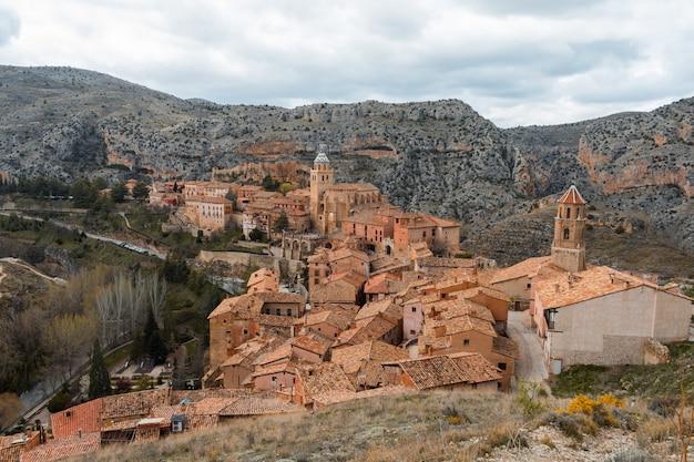 Albarracin uma pequena cidade medieval localizada em teruel, espanha