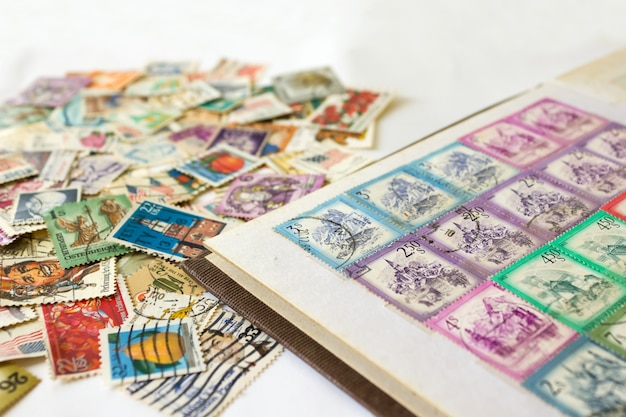 Álbum de selo com selos postais