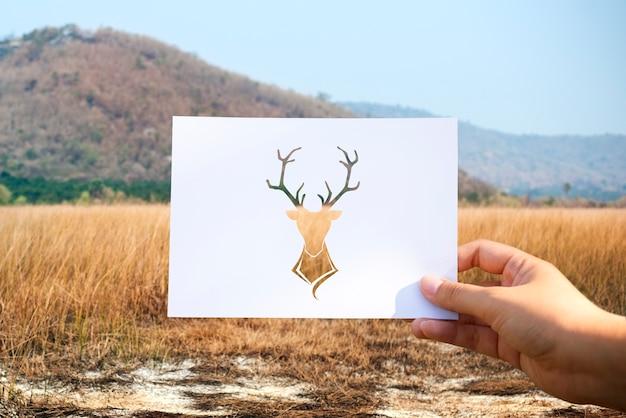 Alce de papel perfurado de vida selvagem animal