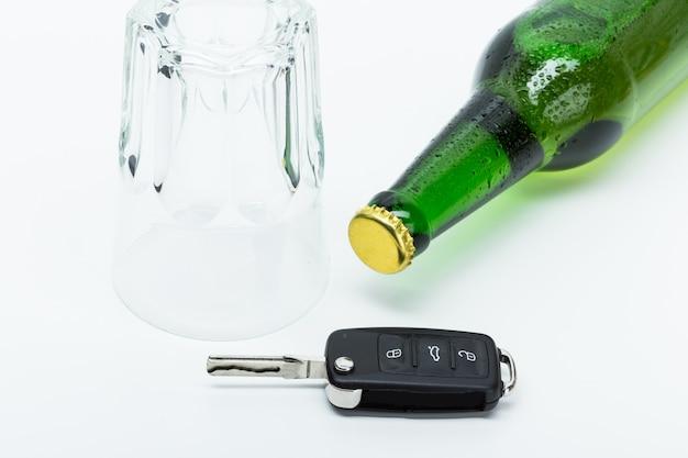 Álcool e chaves do carro