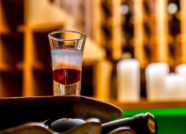 Álcool tiro na vista mesa sude