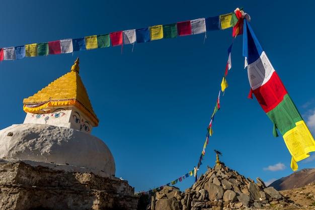 Aldeia de dingboche, trek do everest base camp, de tengboche a dingboche, nepal