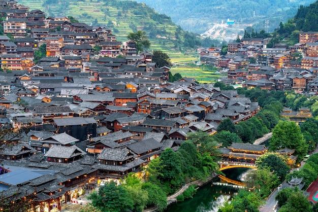 Aldeia de guizhou xijiang miao na china