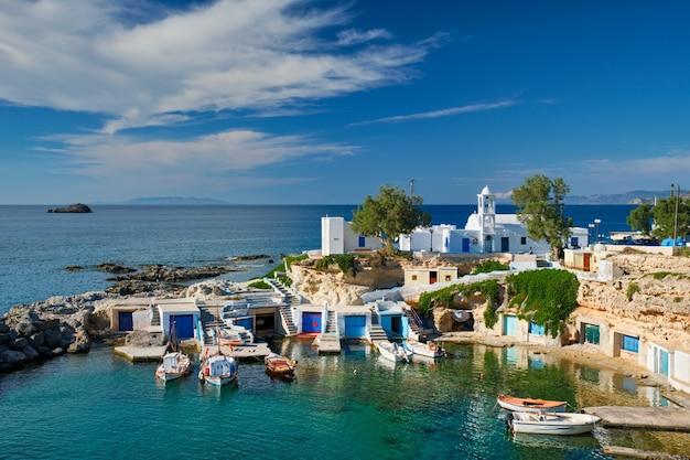 Aldeia de mandrakia na ilha de milos na grécia