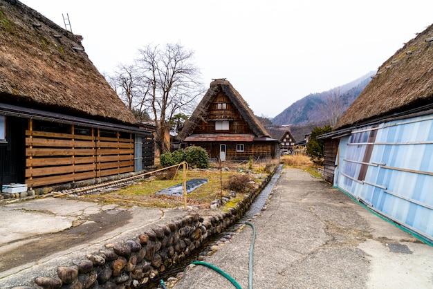 Aldeia japonesa tradicional e histórica shirakawago